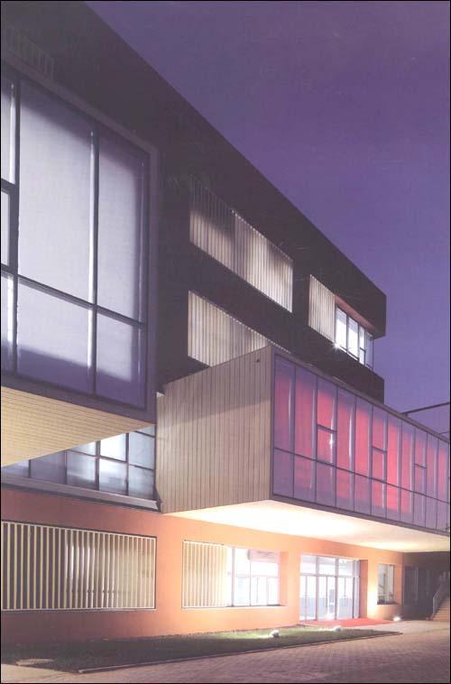 湖南女子职业大学图书馆方案,新加坡拉塞尔艺术学校等设计作品.